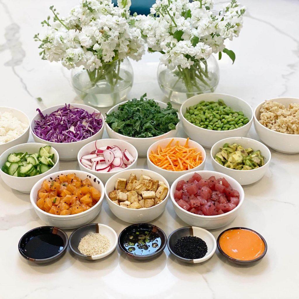 make your own poke bowl, salmon poke bowl, tuna poke bowl, poke bowl recipe, quick lunch, light lunch, lis-on-life, lis on food, lis on life, lis on food